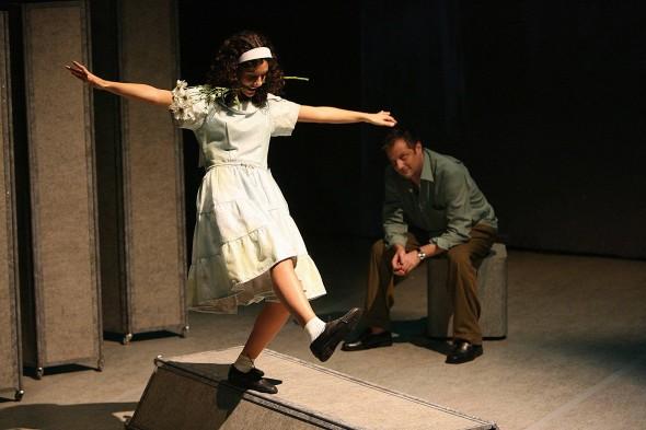 Atores: Henrique Stroeter e Carolina Tilkian. Foto: Luiz Doroneto.