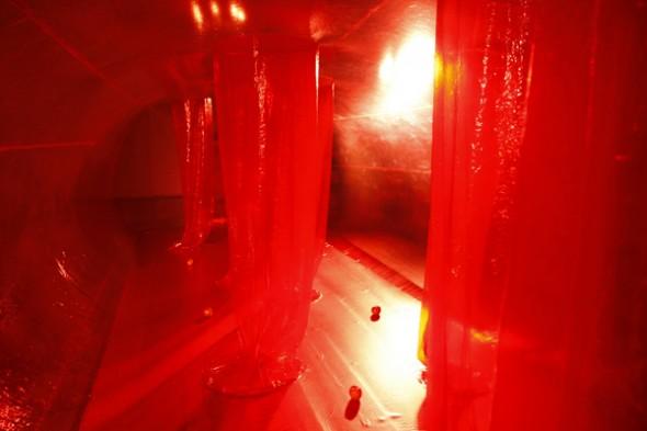 Velatura, instalação penetrável de Suzana Queiroga. Foto: divulgação.
